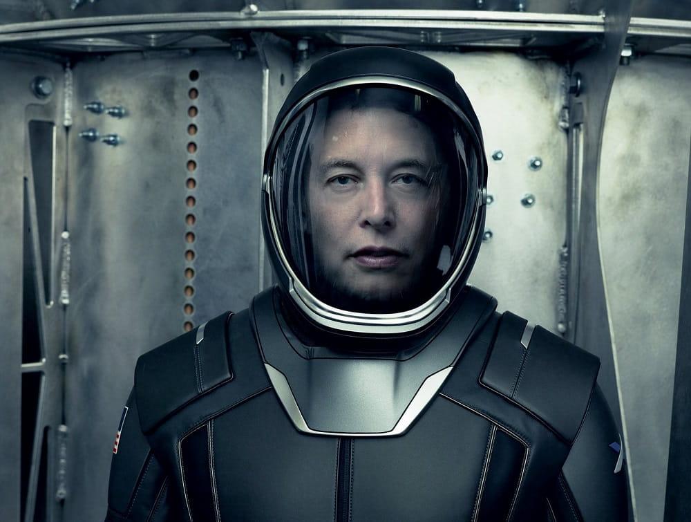 Elon Musk presenta el traje espacial de Space X
